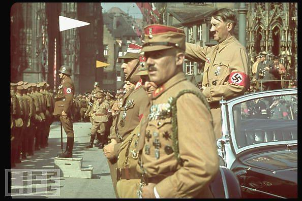 Hitler-en-couleurs_defaultbody