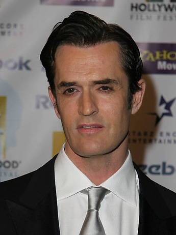 Rupert-Everett-SGS-020885_defaultbody